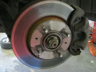 Замена заднего тормозного диска фольксваген