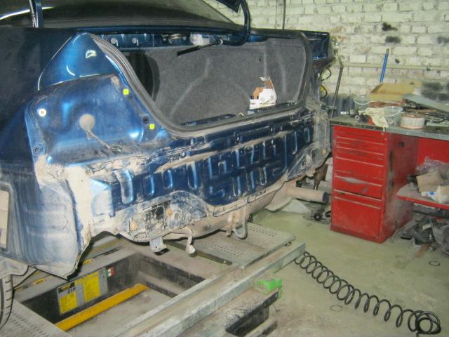 Замена ремонт и покраска задней панели на Мицубиси Лансер 9